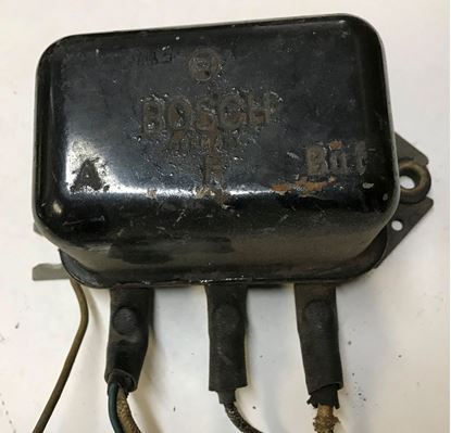 Picture of Mercedes voltage regulator 0011544606 USED